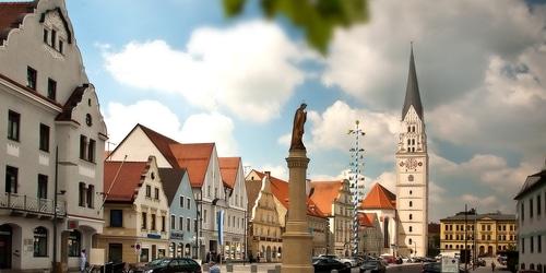 Pfaffenhofen hauptplatz kirche 9294 5 2000