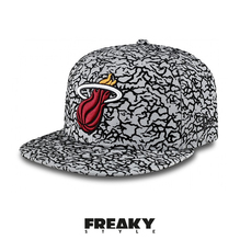 New Era Cap 59Fifty Miami Heat Flock Crown Grau