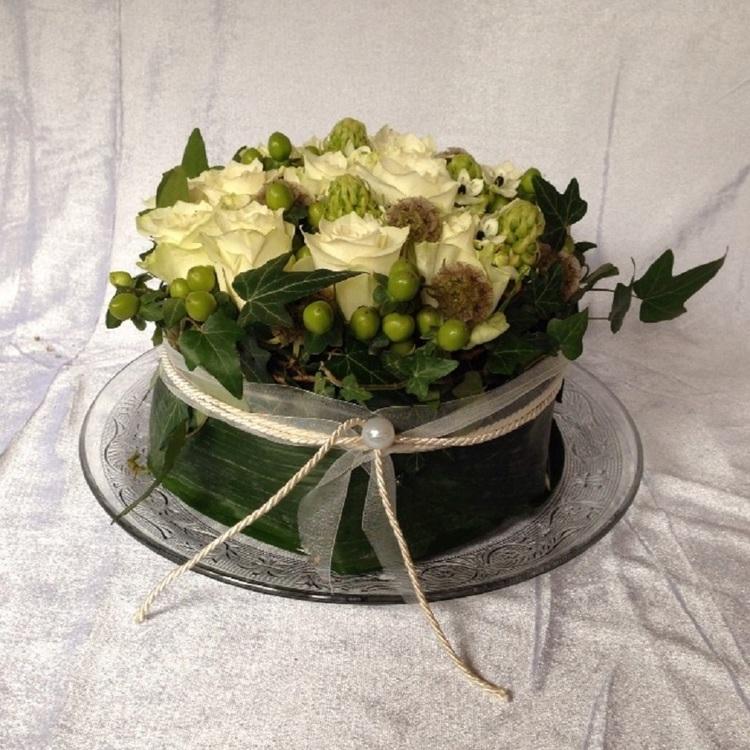 Blumen & Besonderes:Törtchen groß inkl. Teller Ø 33cm