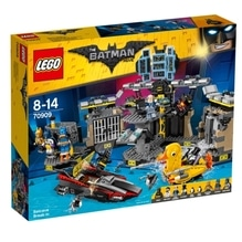 The LEGO® Batman Movie? 70909 Batcave-Einbruch, 1047 Teile