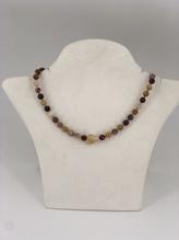 Halskette aus facettiertem Mookait und rohem Cidrin