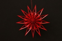 Deutsche Weihnachtssterne Manufaktur Scherenschnittstern rot 14 cm im Geschenkkarton