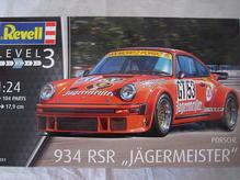 RE07031 Revell Porsche 934 RSR Jägermeister