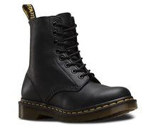 Dr. Martens Pascal - Black Virginia