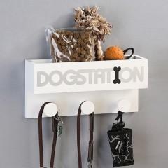 """Garderobe """"Dogstation"""" aus MDF · weiß / silber / schwarz mit Schriftzug: """"DOGSTATION"""" für Hundeleinen, ..."""