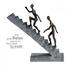 Skulptur 'Staircase' aus Poly · bronzefarben