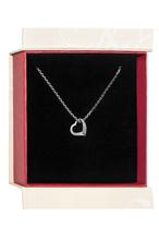 Kette mit Herzanhänger, ausgefasst mit 4 Zirkonia inklusiv einer  Silberkette in Ankerform. Der Anhänger und die Kette sind mit Rhodium veredelt.